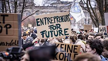 transparent auf Demonstration: Entrepreneuers for Future
